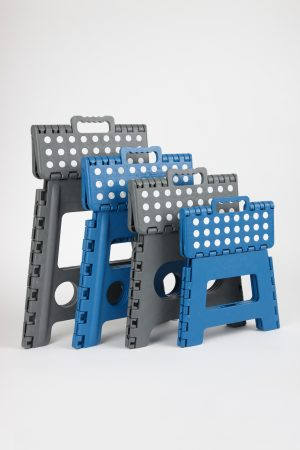 Foldable foot stools
